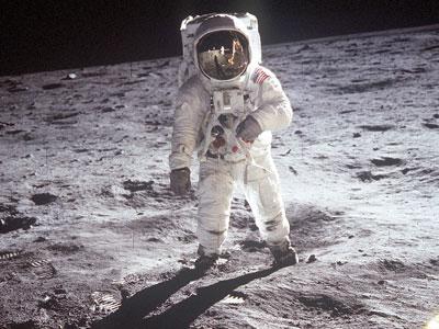 premiere marche sur la lune